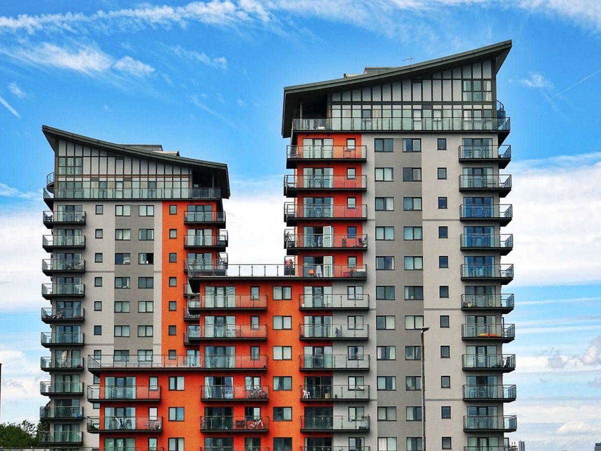Warszawa czy Będzin, kawalerka czy duży metraż – jakie mieszkanie pod wynajem opłaca się kupić?