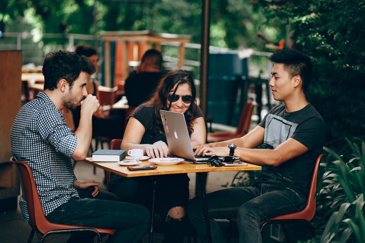 O wyższości przedsiębiorstw startupowych nad korporacjami