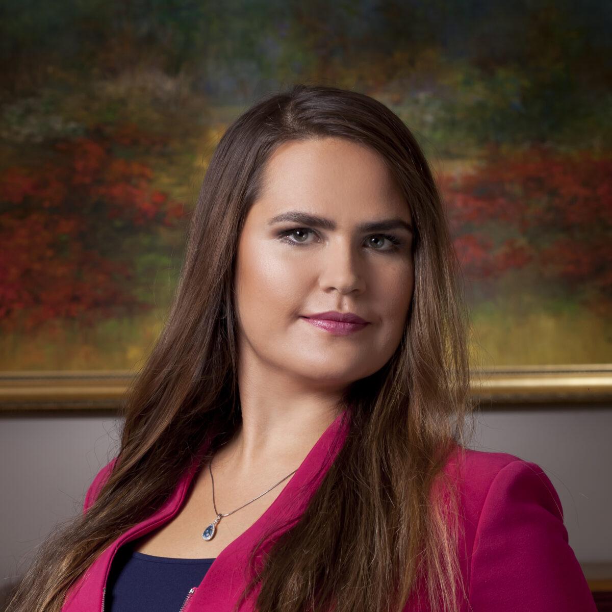 Kinga Hanna Stachowiak rezygnuje z funkcji Wspólnika Zarządzającego w Kancelariach Prawnych Skarbiec